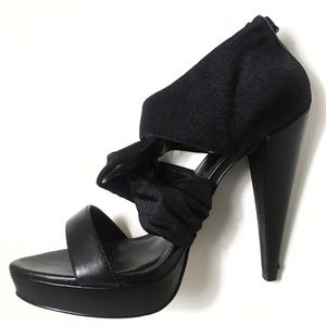 Express Black Leather High Heel mini Platform